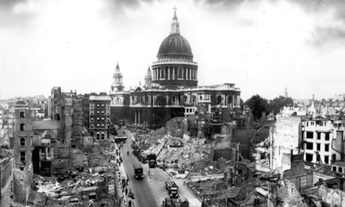 St-Pauls-Cathedral-in-194-006.jpg
